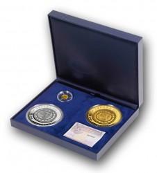 Для всех трёх монет серии можно приобрести идиный престижный бокс