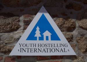 Логотип Международной Федерации хостелов