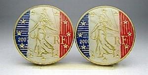Французские евроценты, разрисованные под цвета национального флага