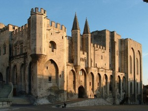 Фасад Папского дворца