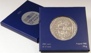 Серебряный «Геркулес» 2011 года в упаковке