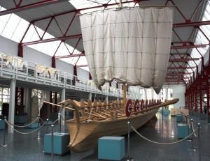 Navis lusoria — позднеримский лёгкий боевой корабль, использовавшийся против германцев на реках Рейн и Дунай.