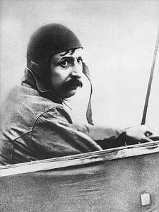 Луи Блерио (Louis Bleriot) за штурвалом самолёта