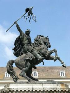 Памятник Вильгельму Завоевателю в родном городе Фалез