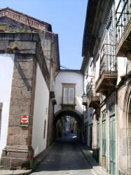 Одна из улочек города - Санта-Мария (Santa Maria)
