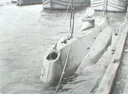 USS Holland 1898